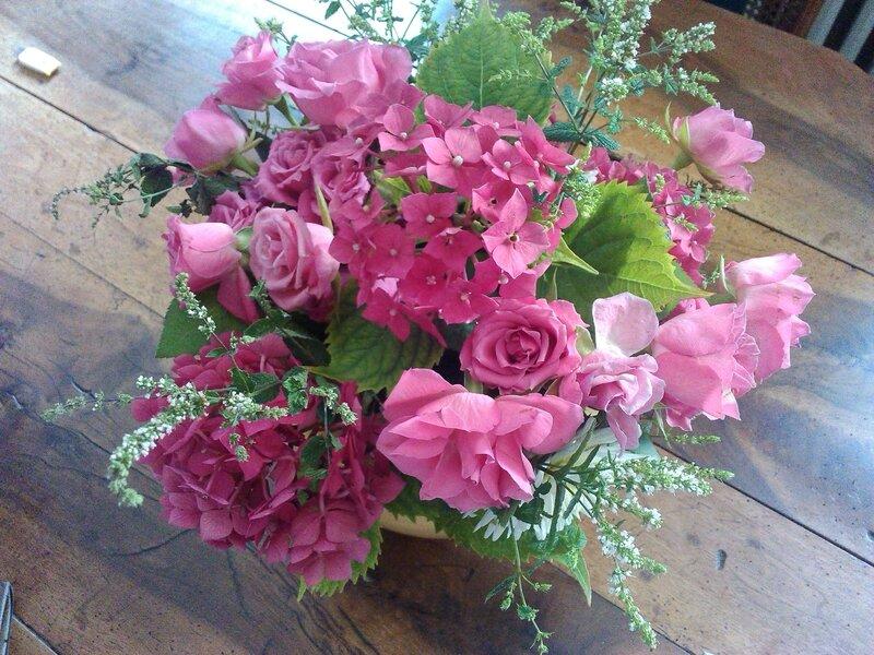 roses,menthe, hortensia rose