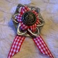 broche ruban coton carreaux rouges et blancs