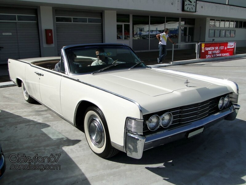 lincoln-continental-convertible-sedan-1965-01