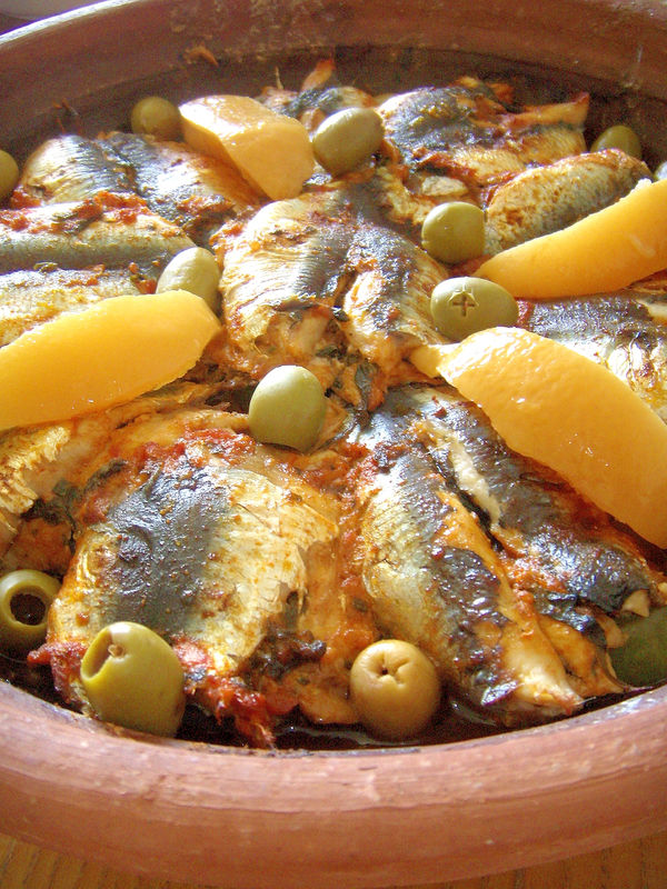 tajine de sardines et pomme de terre maroc yum. Black Bedroom Furniture Sets. Home Design Ideas