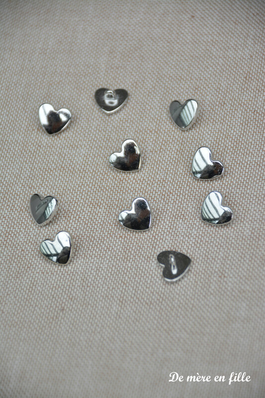 bouton métal coeur argent