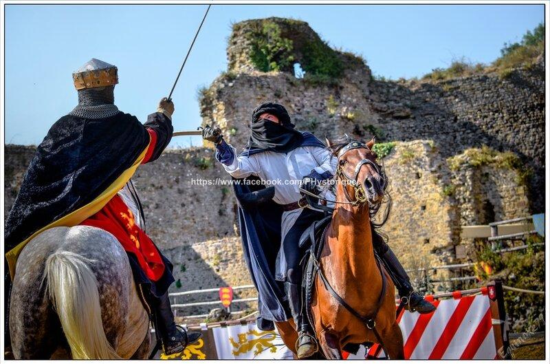 Les chevaliers de Richard Cœur de Lion reviennent de Croisade au Château de Talmont (Médiévales en Vendée) compagnie capalle (8)