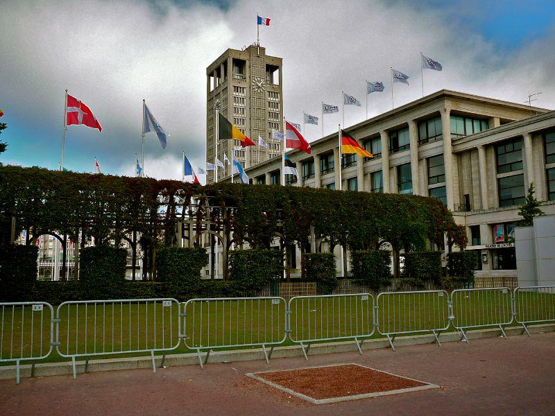 Vue sur l'Hôtel de Ville du Havre.