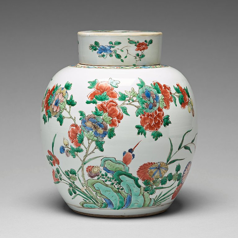 A famille verte jar with cover, Qing dynasty, 18th Century