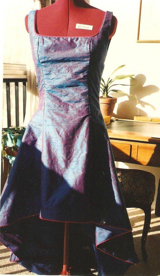 Robe doublée avec passe-poil