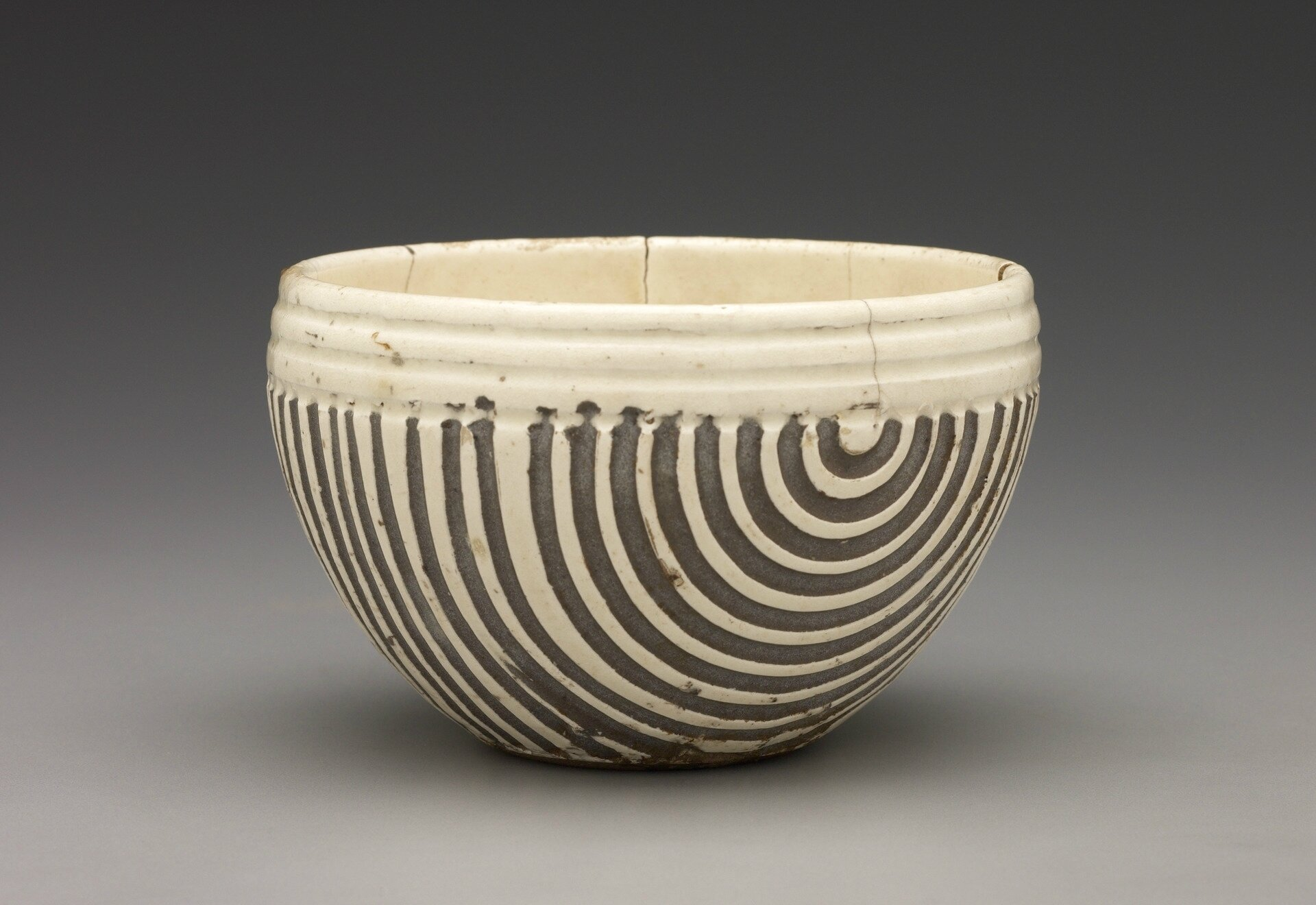Bowl, 11th century, Cizhou ware; stoneware with white slip and transparent glaze; probably Dengfengxian kilns © 2018 The Yale Univers