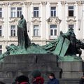 statue de jan hus place namesti