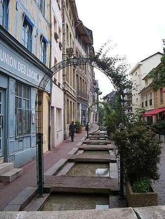 rue_eaux_de_robec