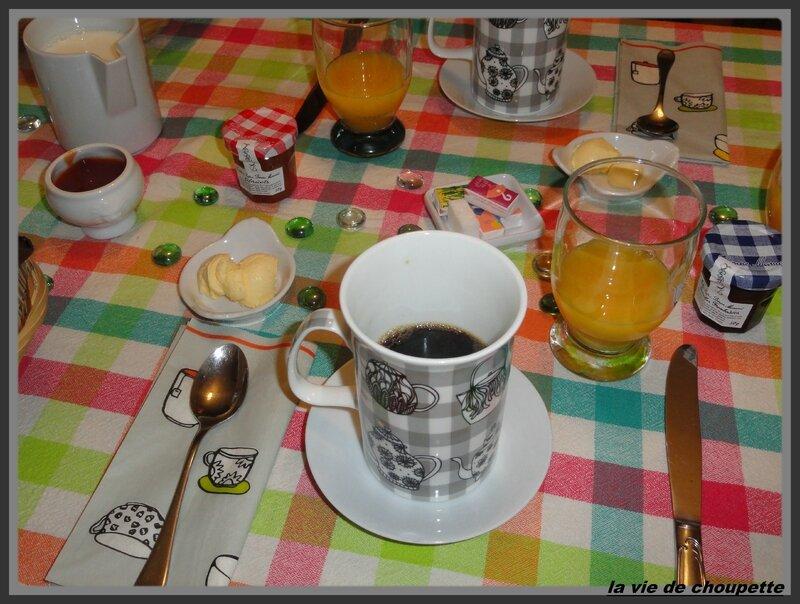 table petit-déjeuner-1966