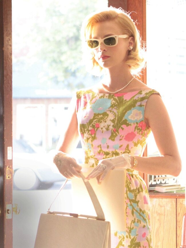 c41-Betty_floral-dress-and-sunglasses