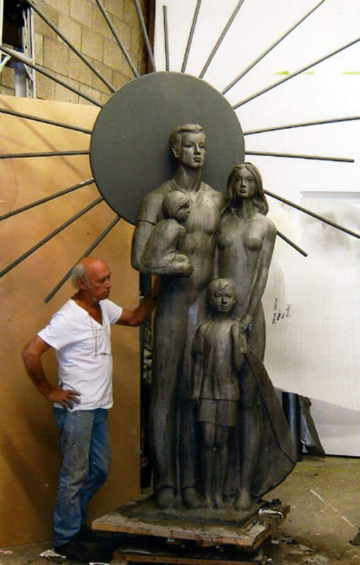 DF with his last sculpture_FAMILY