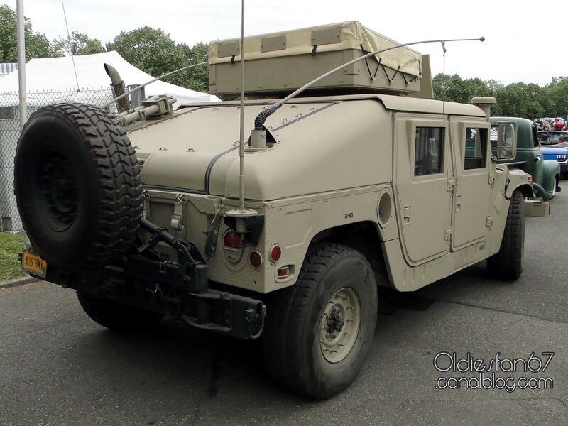 HMMWV (High Mobility Multipurpose Wheeled Vehicle) ou Humvee m998 1983_2014-02