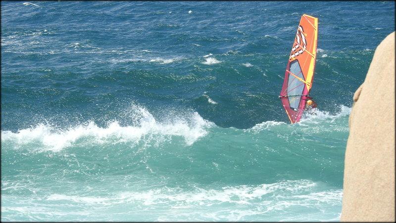 TRES_PROCHE_DE_LA_PIERRE__LE_DERNIER_SURF_