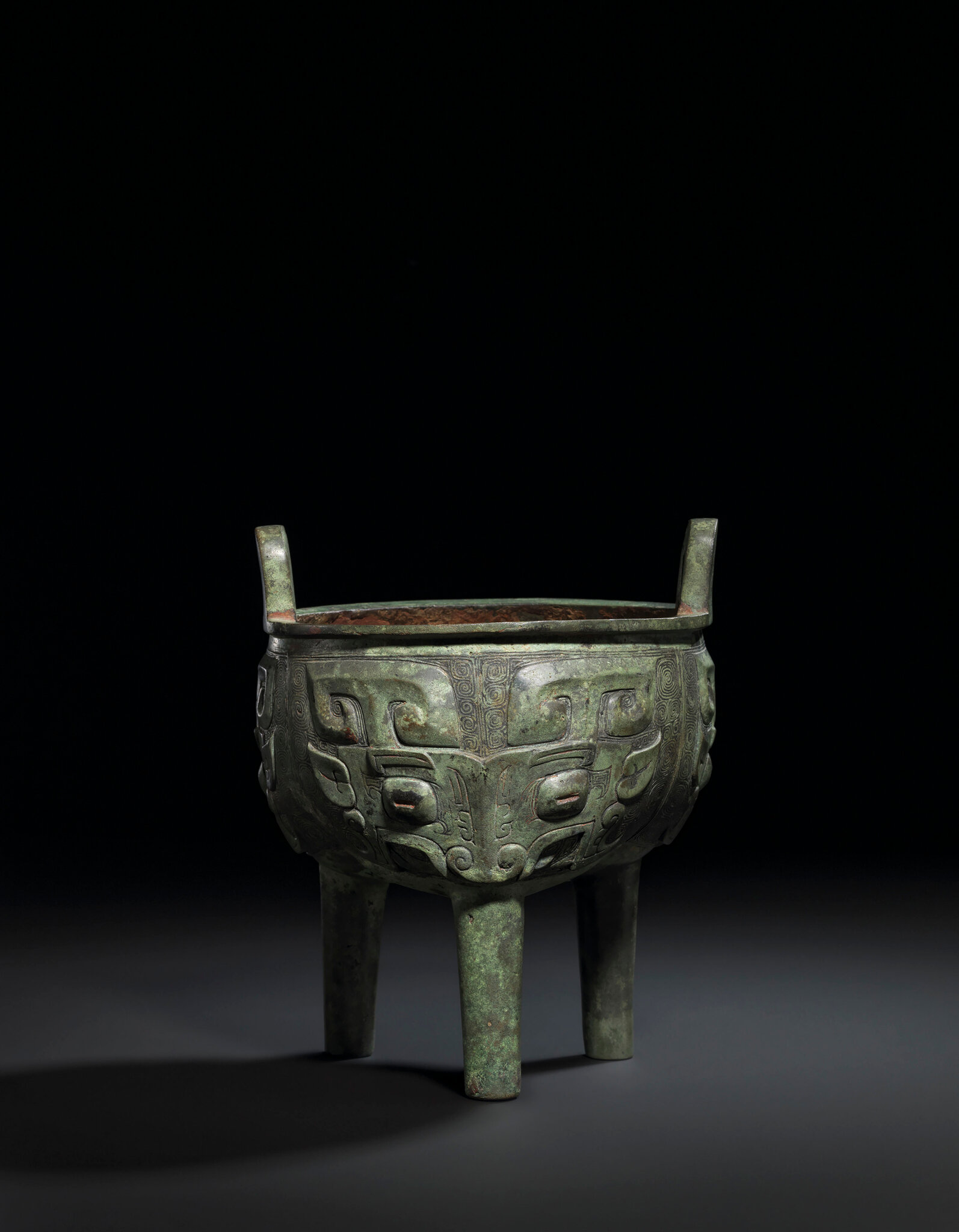 2019_CKS_17114_0001_000(a_bronze_ritual_food_vessel_and_cover_gui_western_zhou_dynasty)