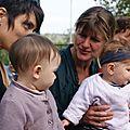 Laurence et Louise 9 mois / Karine et Rose 6 mois