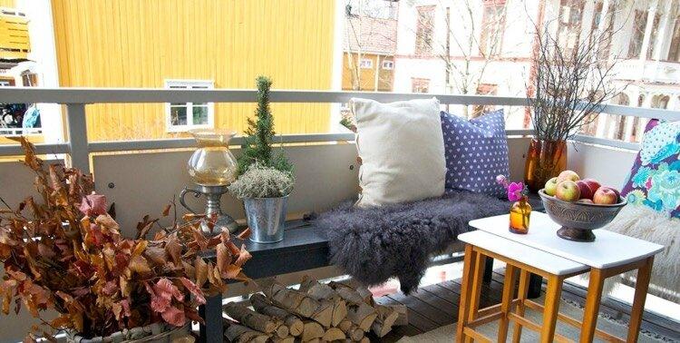 DEAVITA décoration-automne-balcon-composition-feuilles-séchéesfausse-fourrure