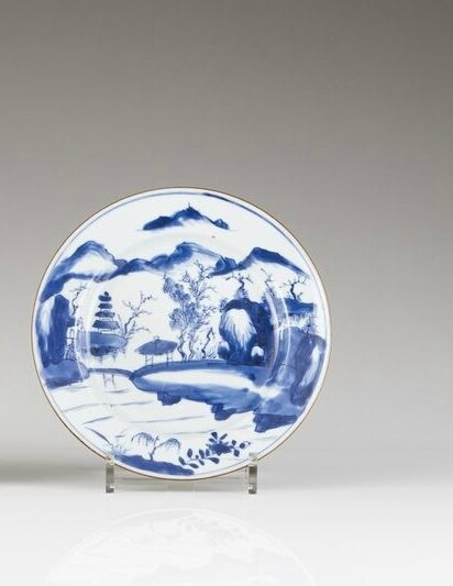 A blue and white plate, Qianlong period (1736-1795)