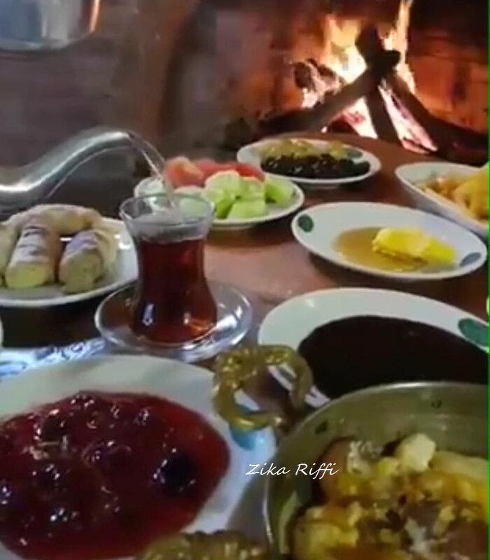 petit déjeuner café populaire istanbul