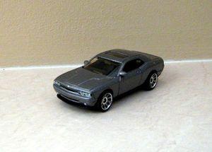 Dodge challenger coupé 2008 de chez Matchbox au 1