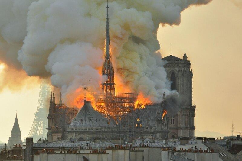 pourquoi_incendie_notre_dame_paris_choc_autant_monde