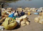 Calebasses à peine déballées 2 port de MOPTI Mali