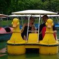 stef et marie sur un canard en plein BKK