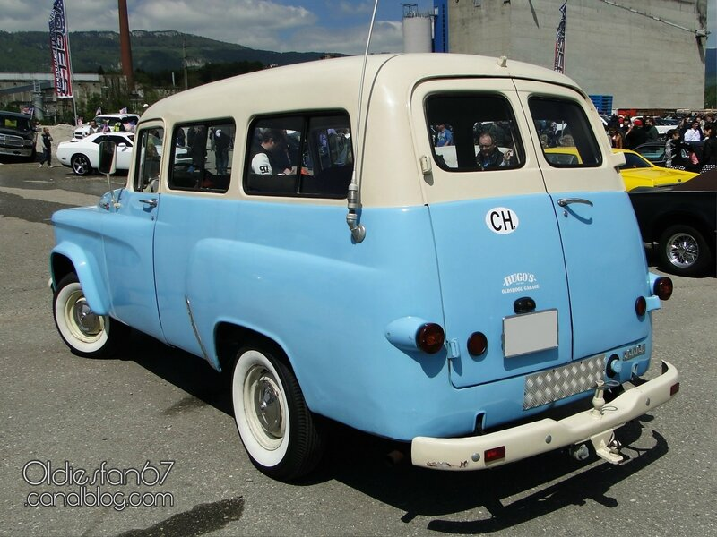 dodge-d100-town-wagon-1961-1966-02