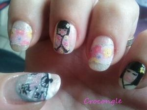nail art poupée Kokeshi Crocongle