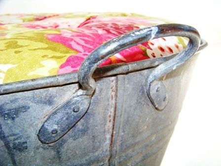 Deep_button_upholstered_ottoman_tub_tub_handle_detail_PRINT_option_3