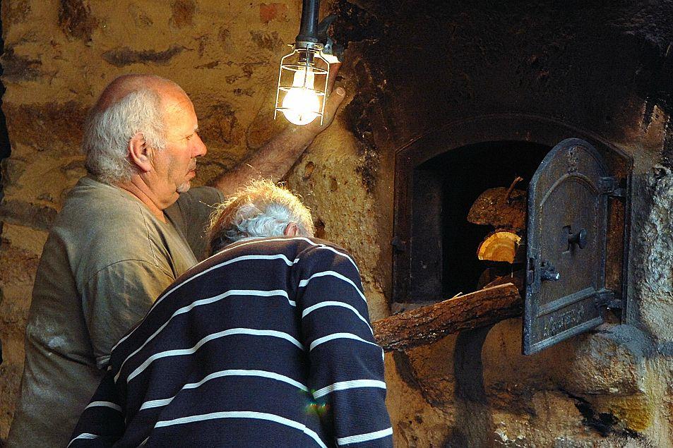 Four à pain.