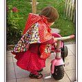 PH2012_10_12-025_a_cape_impermeable_poncho_rouge_pois_blanc_tissue_enduit_elmer_pixel_mire_multicolore_carreaux