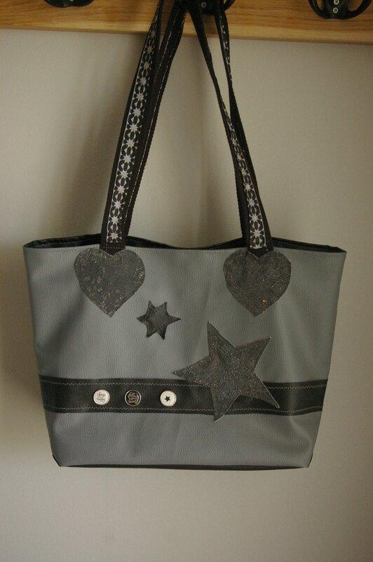 le sac aux étoiles et coeurs 1