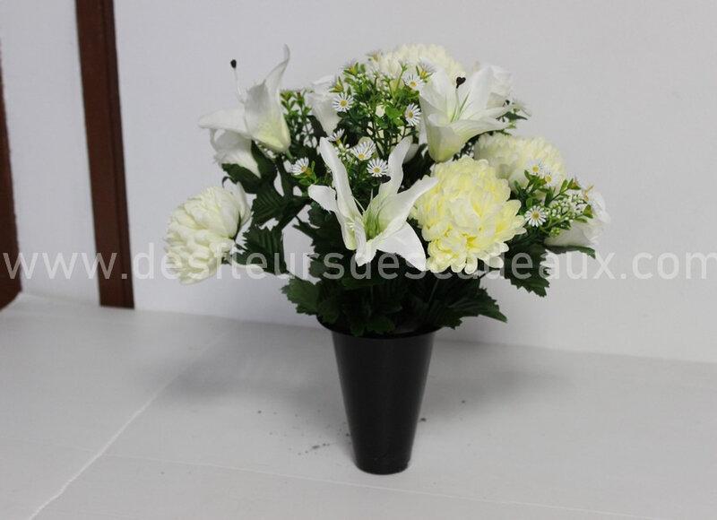 cône de fleurs blanches tombe (1)