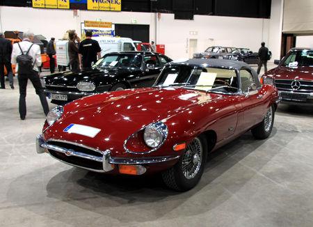Jaguar_type_E_series_II_convertible_de_1967__RegioMotoClassica_2010__01