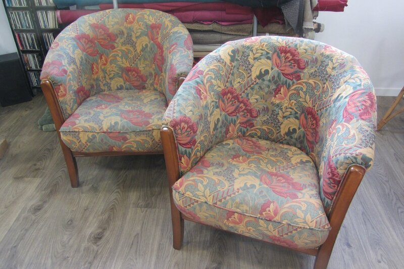 paire de fauteuils tonneaux