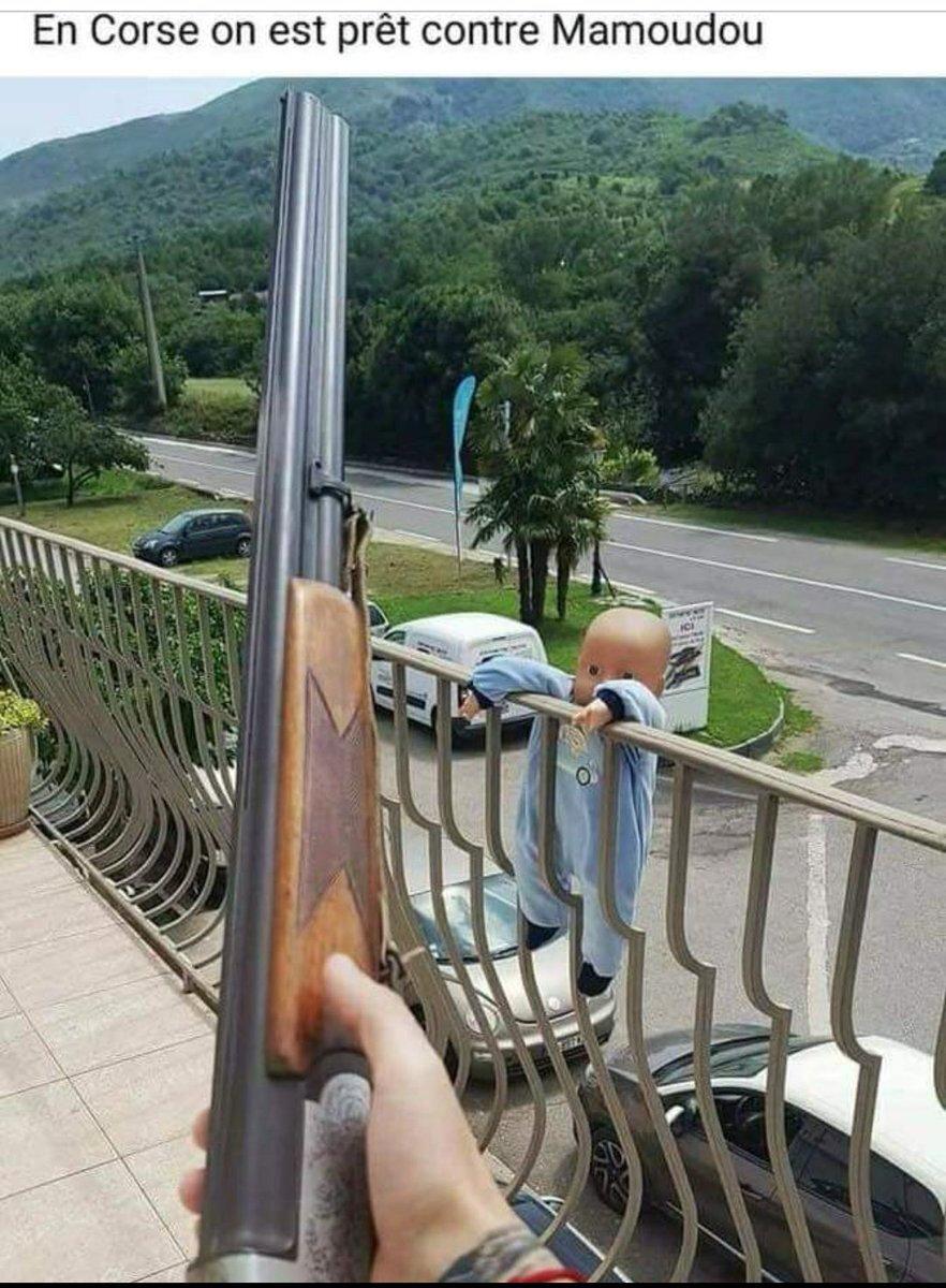 macron humour mamadou balcon sans papiers collabo en marche projet pour la france