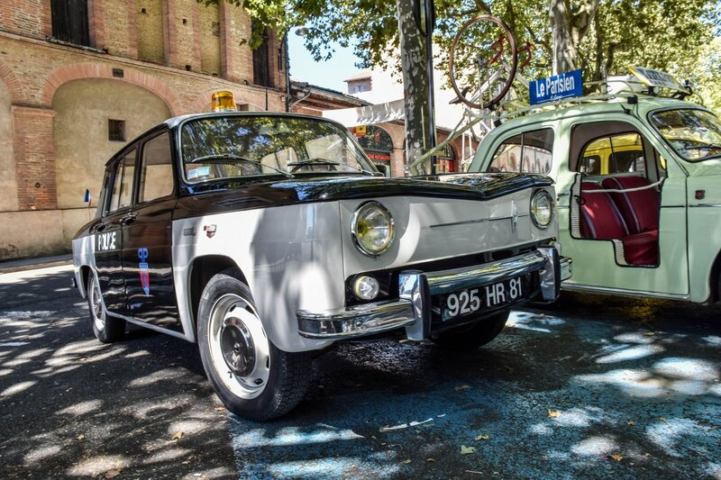 Renault 8 Police