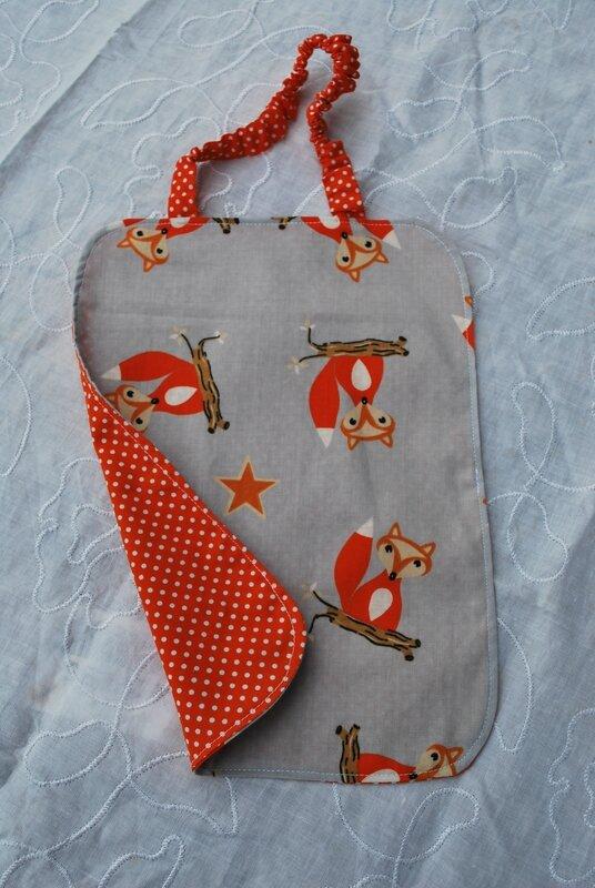 lingettes, serviettes bandeaux enfants robes tabliers 015