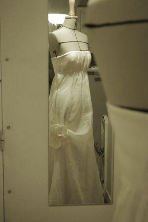 robe_broche_fleur_009