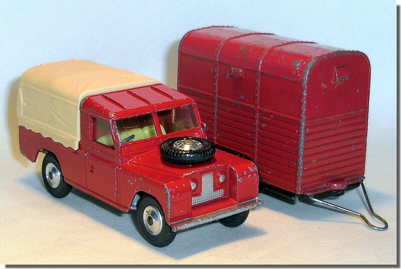 Corgi Toys #102 Pony Trailer Red Black Version 1 J