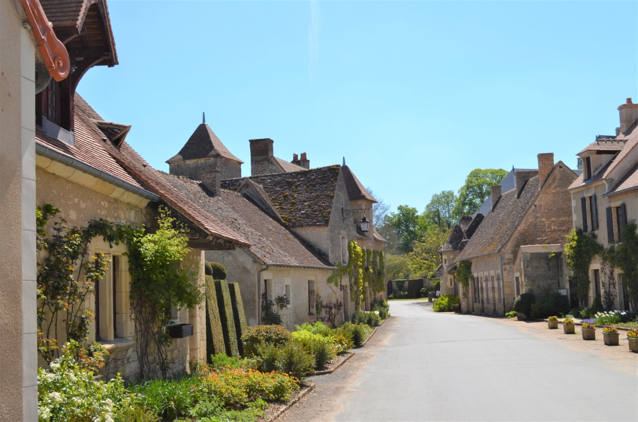 * Plus Beaux Villages de France *