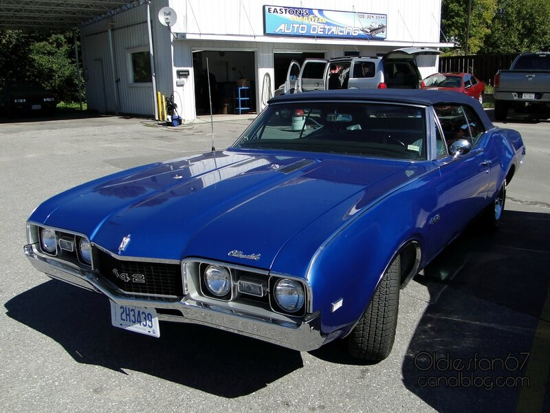 oldsmobile-442-convertible-1968-01