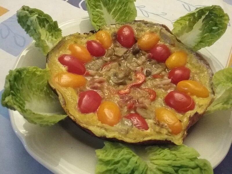 Omelette aux tomates, champignons et lardons aux épices
