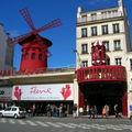 Le Moulin Rouge et la Loco