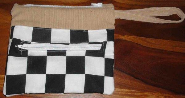 trousse voiture de course avec poche drapeau arrivee F1, race car pouch for kids (2)