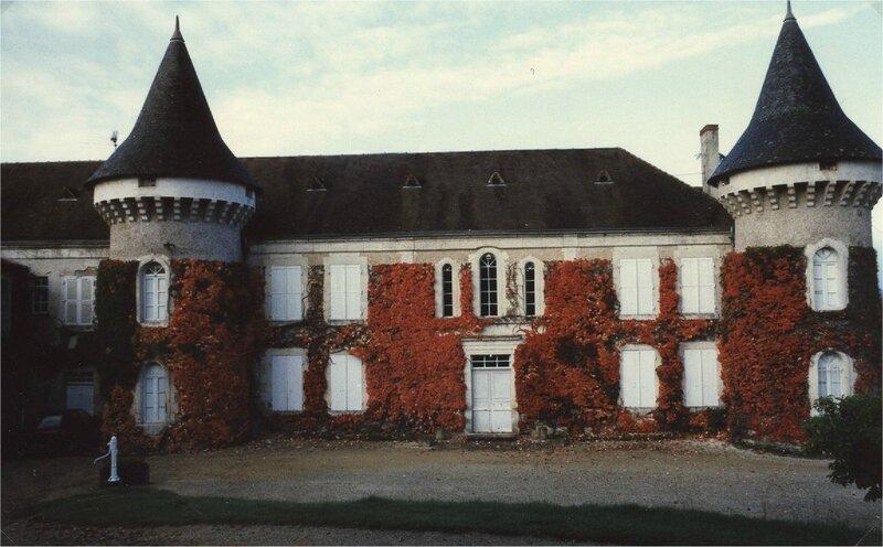 cour du château en automne