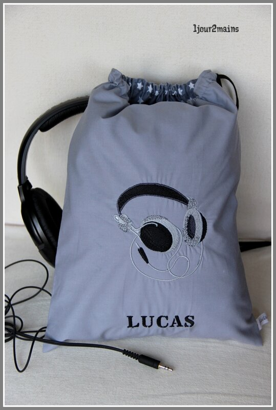 sac audio broderie gris