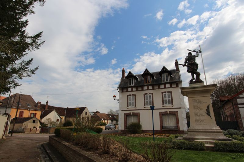 03-St-Julien-du-Sault (8)