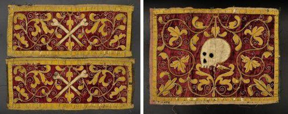 Ensemble de trois soieries et broderies. XVIIe siècle