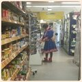 Finlande - Inari - femme en costume traditionnel